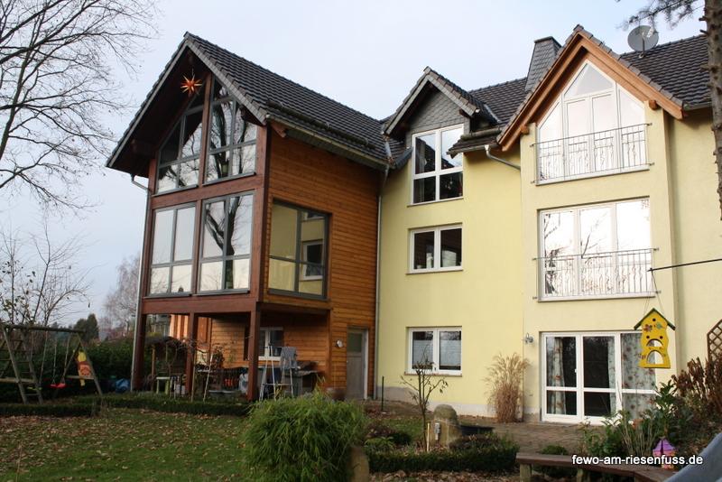 http://fewo-am-riesenfuss.de/wp-content/uploads/2016/12/Südansicht-Haus.jpg